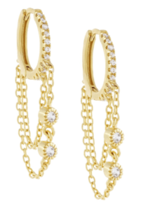 fashion trends for fall chain necklace and hoop earrings